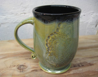 Large Green Ceramic Coffee Mug with Lace