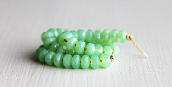 50 Milky Apple Green Rondelles 3x5mm - Czech Glass Beads