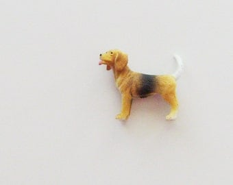 Beagle Brooch - Lapel Pin / 3D Brown  & Black Pet Dog Fashion Accessory / Gift Under 10 - CLEARANCE
