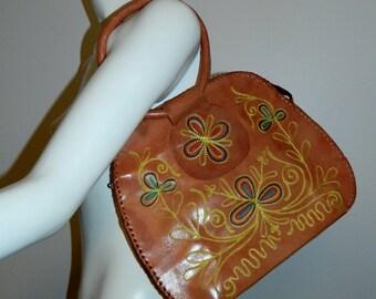vintage 1970s embroidered bag / brown leather HIPPIE purse / floral handbag