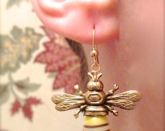 Bee Earrings, Bee Jewelry, Bee Drop Earring, Honey Bee Earrings, Bumble Bee Earring, Insect Jewelry, Apilculture