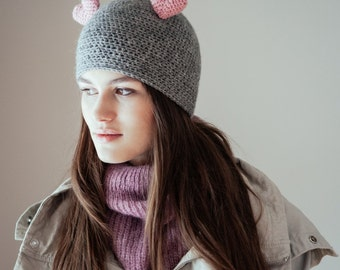 Queen of Hearts Hat  (Heathered Grey and Pastel Pink)
