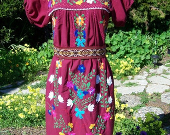 Mexican Dress, Embroidered Mexican, Red Mexican dress, Cranberry, Cinco de Mayo dress, Frida Kahlo dress, size S / M
