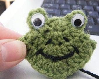 Frog & Owl Crochet Bookmark Pattern - crochet corner bookmarks by Moss Mountain