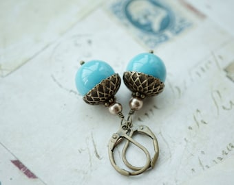 Acorn Earrings. Swarovski Turquoise Blue Pearl Brass Acorn Earrings. Bridesmaid Gift. Something Blue Vintage Style Blue Fall Rustic Wedding.