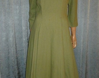 "Vintage 40's - Full Circle Skirting - Pleated - Green - Wool - Embellished Fur Collar - Dress - bust: 40"" - For Costume or Stage"