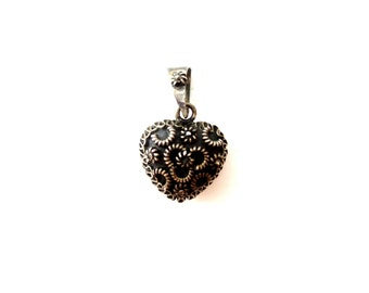 Bohemian Unmarked Sterling Silver Tinkle/Jingle Bell Decorative Textured Puff Heart Metal Charm/Pendant