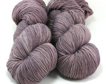 FAVE sock yarn, Semi-Solid-Tilly