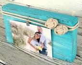 Nautical Photo Display Monkey Fist knot Beach Picture frame Coastal Photo Holder Wedding Decor Custom Color Beach Theme Decor Reclaimed Wood