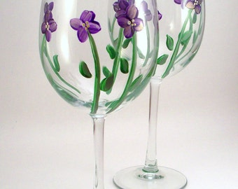 Purple violets - Hand painted wine glasses - violet wine glasses - floral glassware - gift for her - set of 2