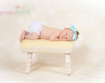 WHITE Ruffle Bum Baby Bloomer, Newborn Diaper Cover,Bloomer,Ruffled Bloomer,White bloomer,Baby girl bloomer, newborn bloomer -Ready to ship