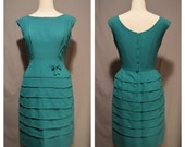 VTG 1950s Green Tiered Wiggle Dress