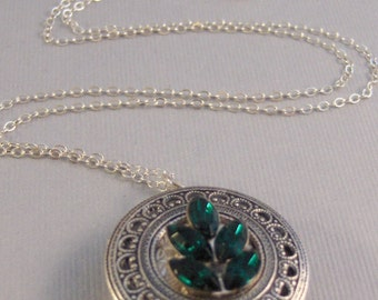 Vintage Emerald Locket,Locket,Silver Locket,Green,Sterling Silver Locket,Sterling,Birthstone,Birthstone Locket,May Birthstone Necklace,May