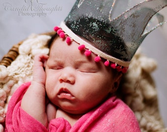Newborn Pom Pom Crown Prop