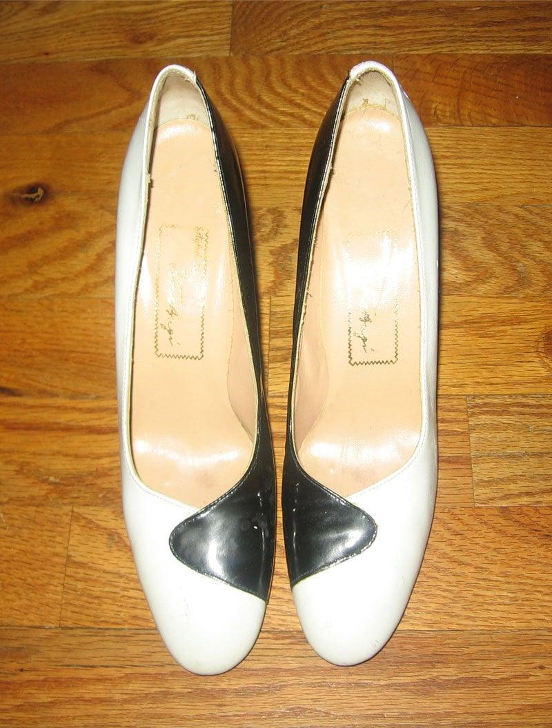 vintage designer black white color block mod high heel shoes