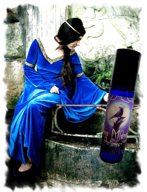 Gwenhwyfar Perfume Oil - Lilies, Dragon's Blood, Musks, Gothic Perfume - Medieval - Legends of the Grail Series