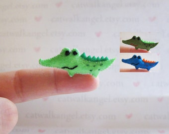 Felt Miniature - Felted Miniature alligator - Felted crocodile - grey crocodile - alligator miniature - tiny alligator - green crocodile