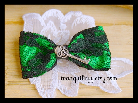 Lace Skull Hair Bow ,Zombie Green  Skeleton Key Lace Hair Bow  , Goth , Scene, Rave, Punk , Halloween  By: Tranquilityy