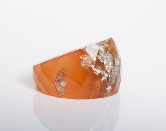 size 6 round faceted eco resin ring | burnt orange with metallic silver flakes