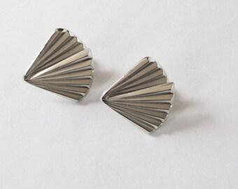 Giovanni Silver Tone Fan Earrings Clip-On Vintage Giovanni