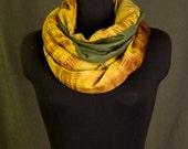 Zahara  > Olive Khaki & Gold Infinity