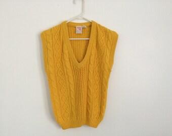 1980s chunky cable knit HIPSTER v neck mustard sweater vest