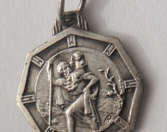 Saint Christopher Vintage Religious Medal Pendant Jewelry on 18 inch sterling silver rolo chain