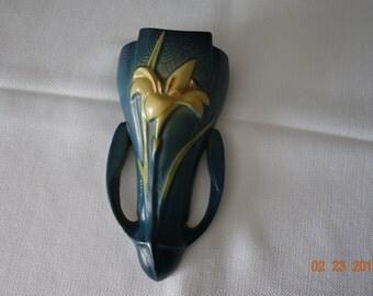 """ROSEVILLE Wall Pocket Blue Zephyr Lily 1297-8"""""""