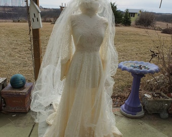 Lovely lace wedding dress fitted bodice sleeves victorian steampunk fairy alternative wedding dress