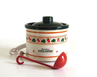 Mini Crockpot with Ladle Rival Little Dipper 3204D Crock Pot Made in USA 1990s Kitchen Appliances Hot Peppers