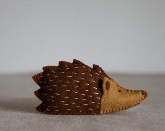 Hazel Hedgehog Sewing Pattern – DIY embroidery sewing pattern for hedgehog softie – Hedgehog soft toy tutorial