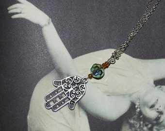 Hamsa Necklace, Silver Hamsa Hand, Hand of Fatima Necklace, Hamsa Pendant, Hand Necklace, Decorative Hamsa Hand Jewelry, Hamsa Charm Jewelry