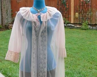 lite pink short robe size med