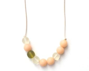 Nursing Necklace - Babywearing Necklace - Boules - Colour Splash - Cream/Ivory and Olive Green