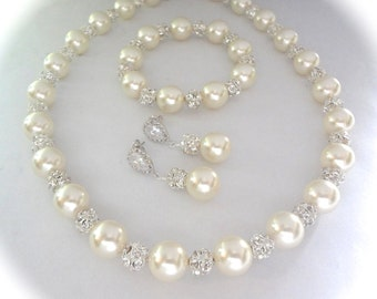 Chunky pearl jewelry set ~ Swarovski pearls and Crystals ~ 3 piece ~ Statement jewelry ~ Pearl earrings, necklace and bracelet set ~ LOLITA