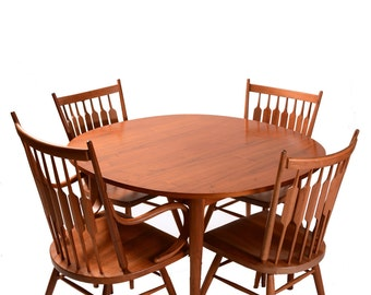 Beautiful Drexel Declaration Dining Table with Extension