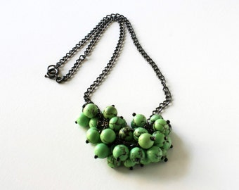 Green Bead Necklace, Cluster Bead Necklace, Gemstone Necklace, Gemstone Jewelry, Green Bead Cluster Necklace, Statement Necklace