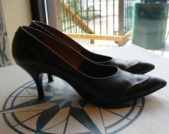 black leather 1950's TWEEDIES KITTEN HEELS pointy toe 8.5 9