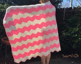 RESERVE for SWALLOWA------ 1970s Bubble gum pink and white CHEVRON woven knit blanket