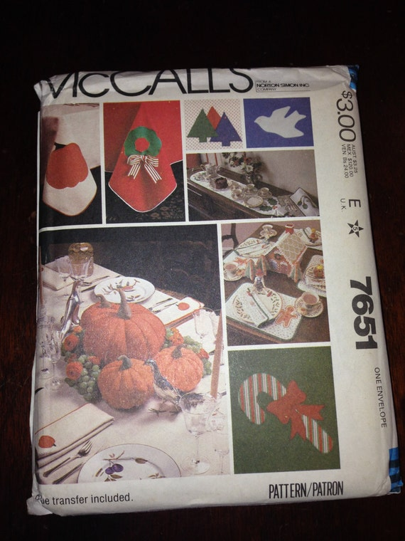 McCalls Sewing Pattern 7651 Christmas Table Settings and Transfers