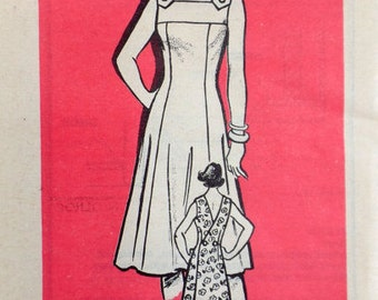 1960s Fashion Kitchen Apron Wrap Dress Sundress Marian Martin 9120 Sewing Pattern A-line Square neckline Fitted Bodice Size 12 Bust 34