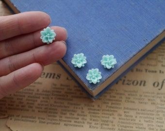 12 pcs Small Resin Flower Cabochons 12mm (BLRC2352)
