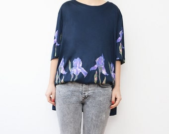 Vintage dark blue floral 90s oversized women t-shirt
