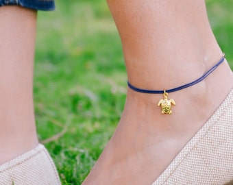 Anklet with turtle charm, ankle bracelet, gold tone tortus charm, blue string, sea turtle, nautical jewelry, sea, summer, beach accessories