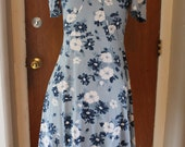 1970s Blue and White Daydress. '70s Collared Puff Sleeve Dress. Gathered Bust Mini. Floral Wing Collar Dress. Medium Large.