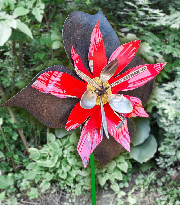 Metal yard art flower indoor outdoor wall art salvaged for Outdoor wall flowers
