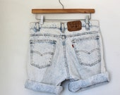 vntg LEVI shorts / acid wash / high waist / stone wash / bleach / orange tag