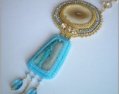 Hypnotica - Pendant necklace with agate and crystals, bead embroidered