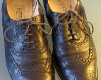 Vintage Bandolino Made in Italy Ladies Wing Tip Oxfords Size 9US