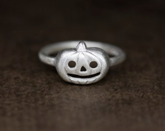Halloween pumpkin ring in sterling silver